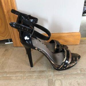 Jessica Simpson black patent heels, sz 8.5